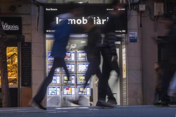 agencia-alquiler-compraventa-inmuebles-calle-creu-coberta-barcelona-1487364817871